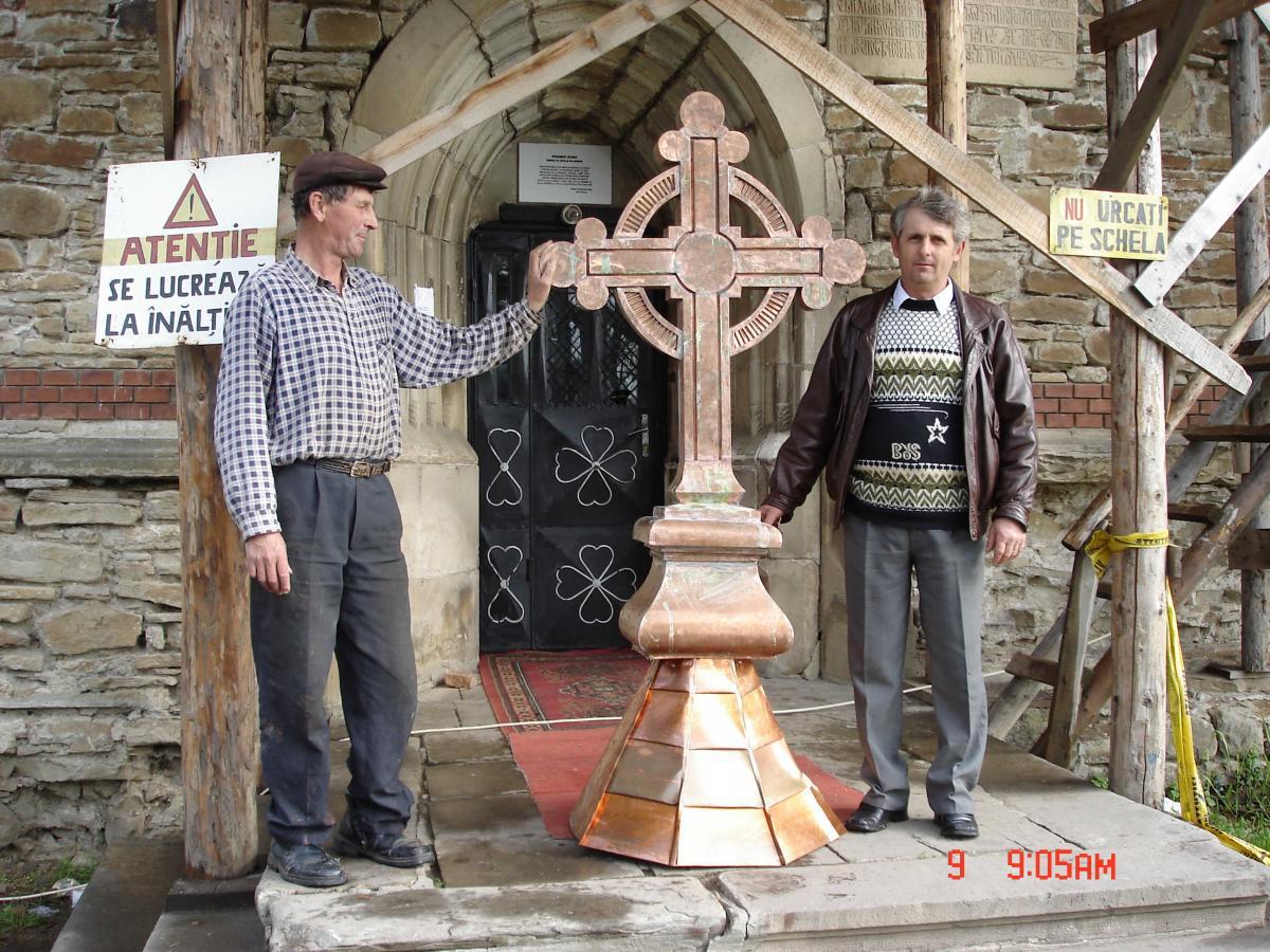 Crucea de pe turlă